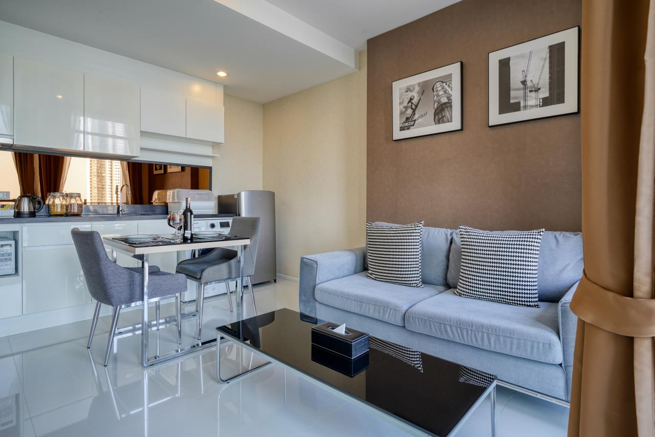 Hostmaker Bangkok Agency's Welcoming 1 Bed Apt in Movenpick Residences Ekkamai 1