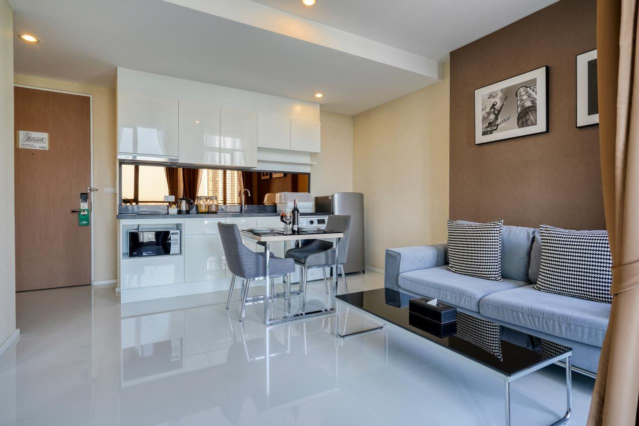 Hostmaker Bangkok Agency's Welcoming 1 Bed Apt in Movenpick Residences Ekkamai 11