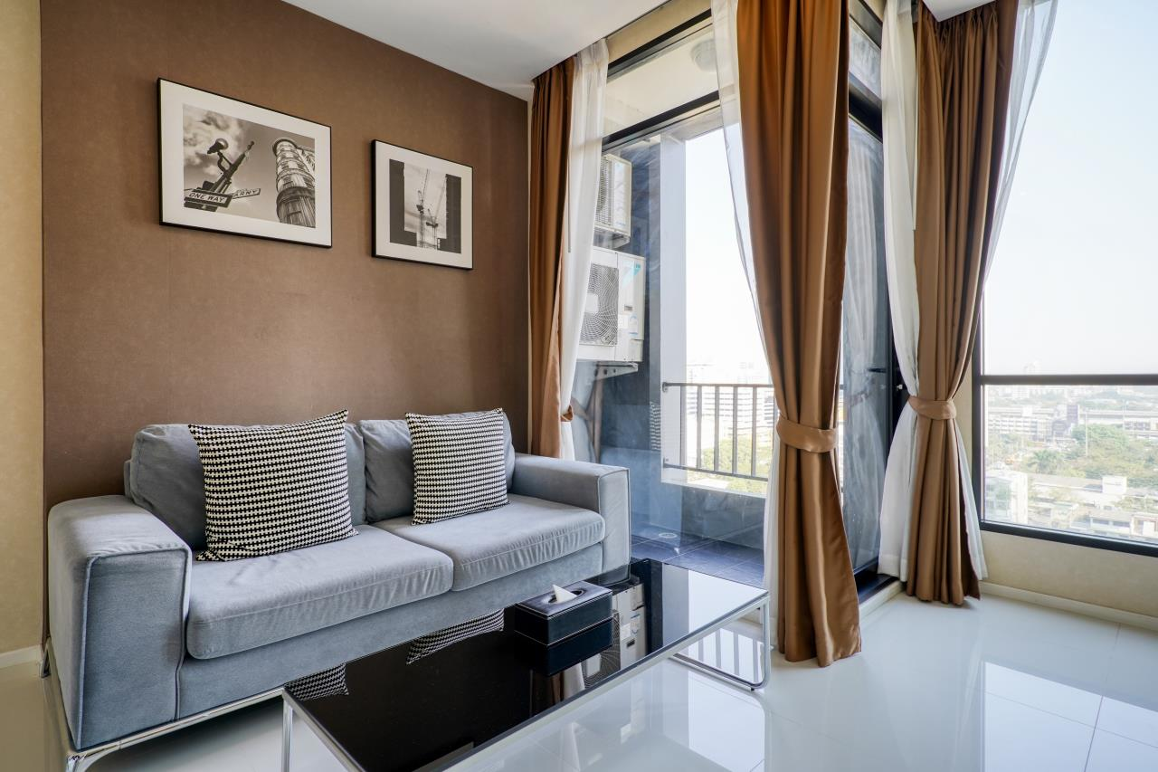 Hostmaker Bangkok Agency's Welcoming 1 Bed Apt in Movenpick Residences Ekkamai 7