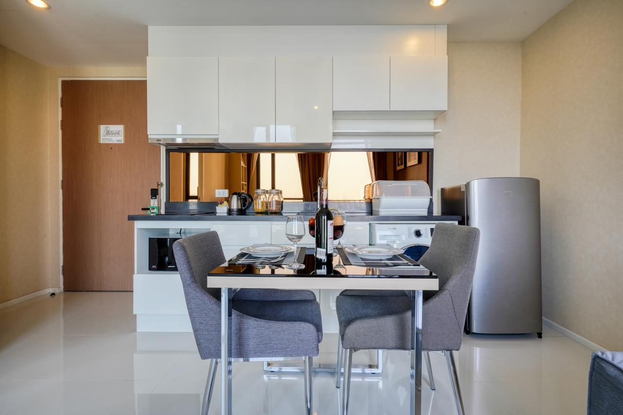 Hostmaker Bangkok Agency's Welcoming 1 Bed Apt in Movenpick Residences Ekkamai 5