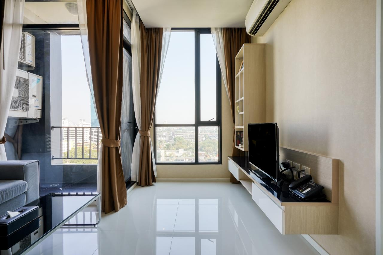 Hostmaker Bangkok Agency's Welcoming 1 Bed Apt in Movenpick Residences Ekkamai 9