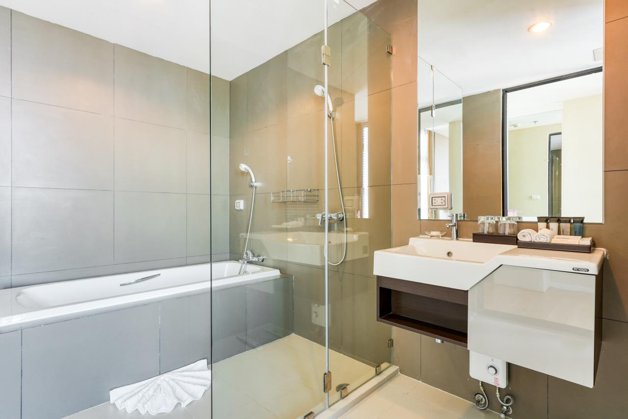 Hostmaker Bangkok Agency's Chic 2Bed 2Bath Apt in Movenpick Residences Ekkamai w/housekeeping service 24