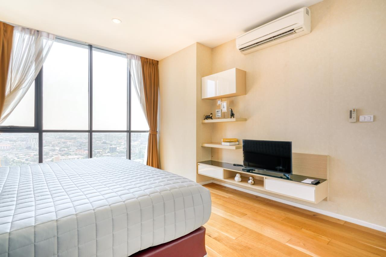 Hostmaker Bangkok Agency's Chic 2Bed 2Bath Apt in Movenpick Residences Ekkamai w/housekeeping service 21