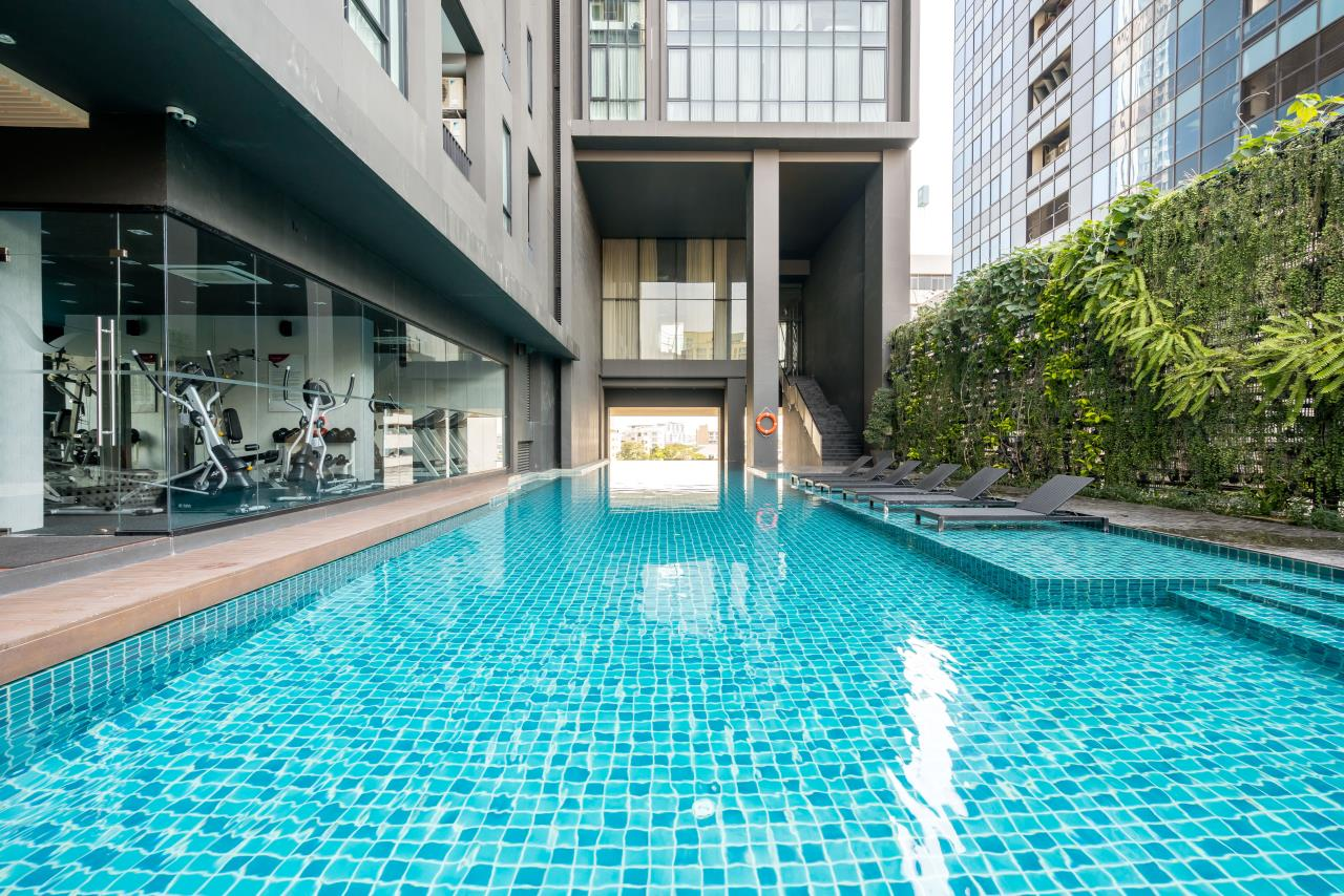 Hostmaker Bangkok Agency's Chic 2Bed 2Bath Apt in Movenpick Residences Ekkamai w/housekeeping service 2