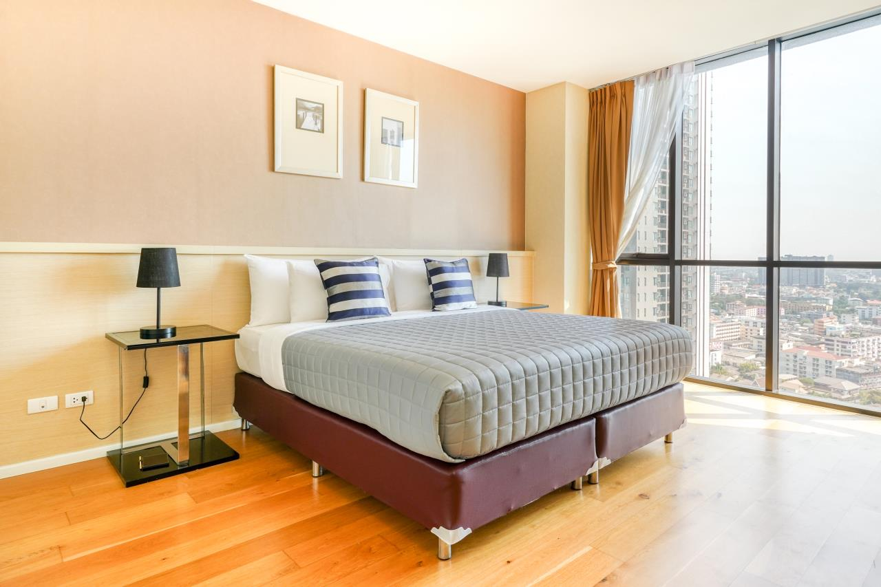 Hostmaker Bangkok Agency's Chic 2Bed 2Bath Apt in Movenpick Residences Ekkamai w/housekeeping service 18