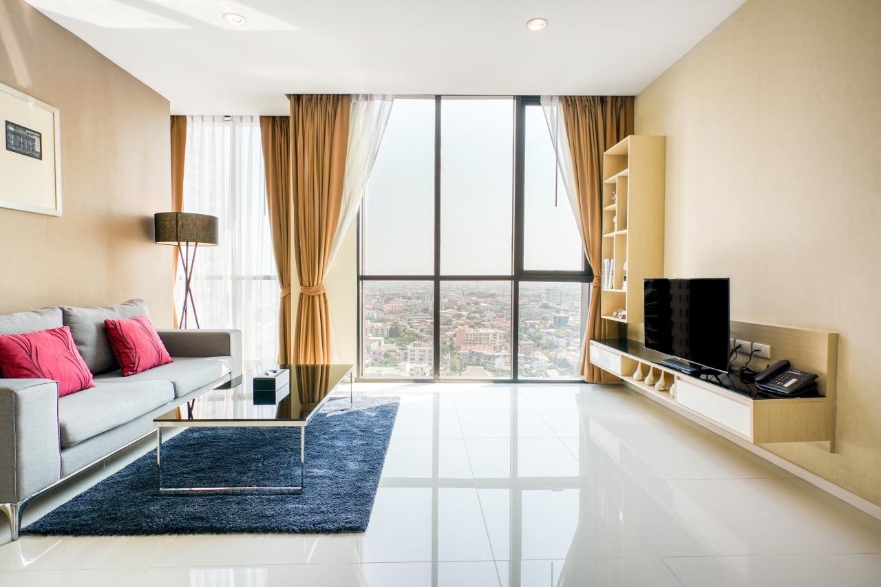 Hostmaker Bangkok Agency's Chic 2Bed 2Bath Apt in Movenpick Residences Ekkamai w/housekeeping service 1