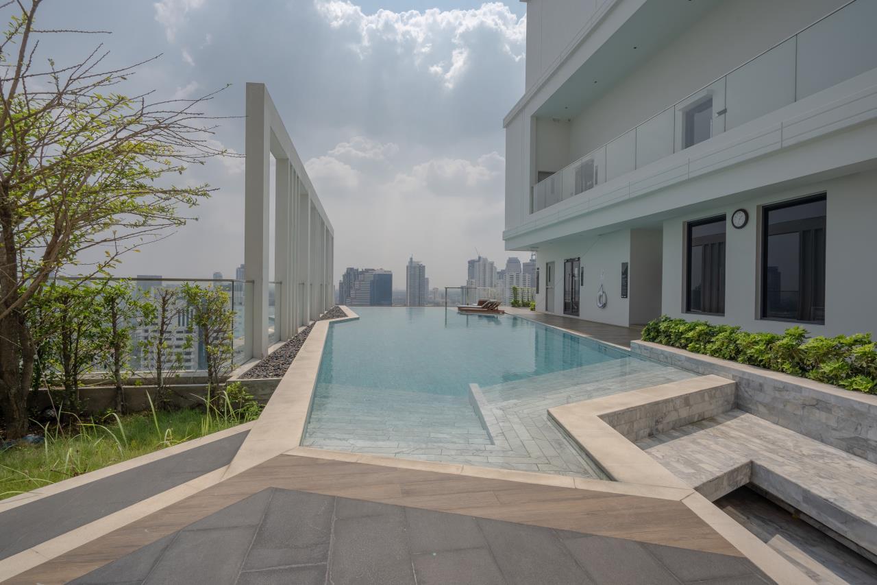 Hostmaker Bangkok Agency's Charming 1 Bed Apt w/ Balcony in Watthana 41
