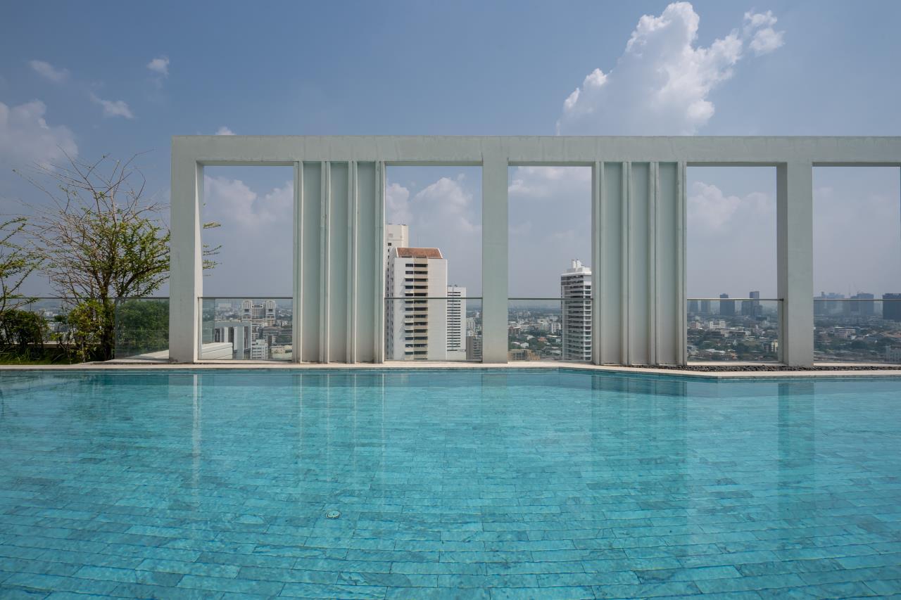 Hostmaker Bangkok Agency's Charming 1 Bed Apt w/ Balcony in Watthana 39
