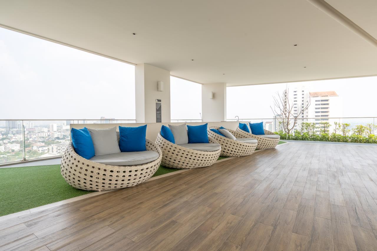 Hostmaker Bangkok Agency's Charming 1 Bed Apt w/ Balcony in Watthana 40