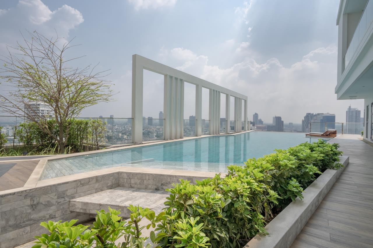 Hostmaker Bangkok Agency's Charming 1 Bed Apt w/ Balcony in Watthana 42