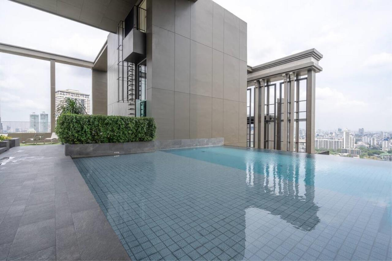 Hostmaker Bangkok Agency's Chic Modern One Bedroom Condo 3-minute Walk to Thong Lo Bangkok BTS Station 29