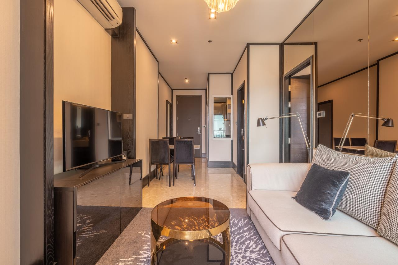 Hostmaker Bangkok Agency's Chic Modern One Bedroom Condo 3-minute Walk to Thong Lo Bangkok BTS Station 19