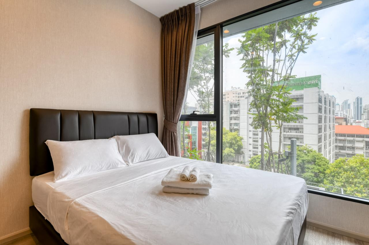 Hostmaker Bangkok Agency's Chic and Modern One Bedroom Condo 5-minute Walk to Phetchaburi MRT Station 1