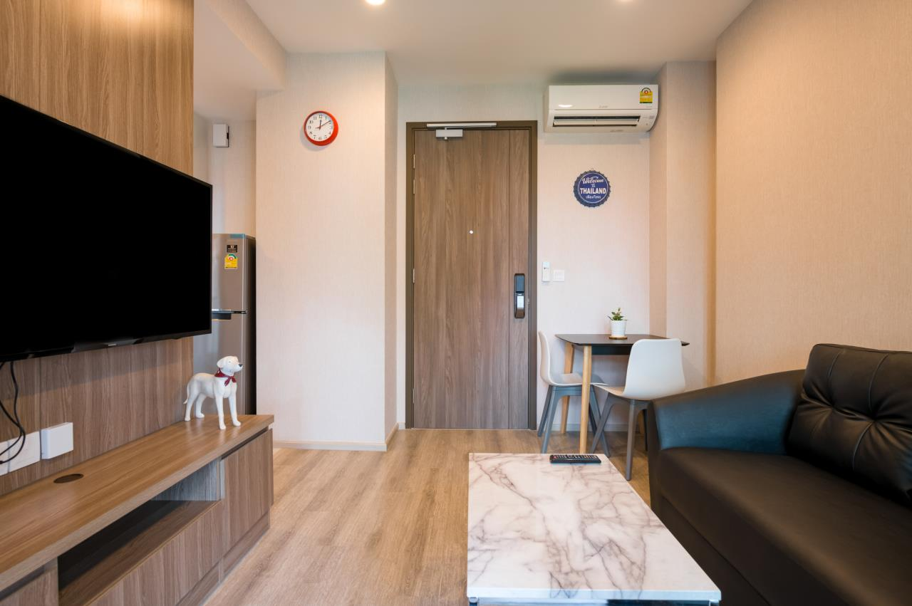 Hostmaker Bangkok Agency's Chic and Modern One Bedroom Condo 5-minute Walk to Phetchaburi MRT Station 13