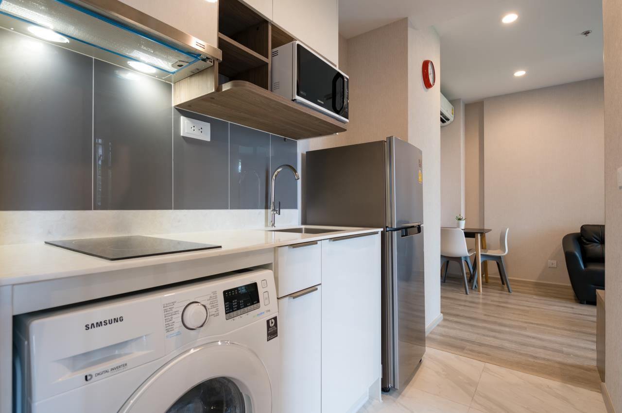 Hostmaker Bangkok Agency's Chic and Modern One Bedroom Condo 5-minute Walk to Phetchaburi MRT Station 16