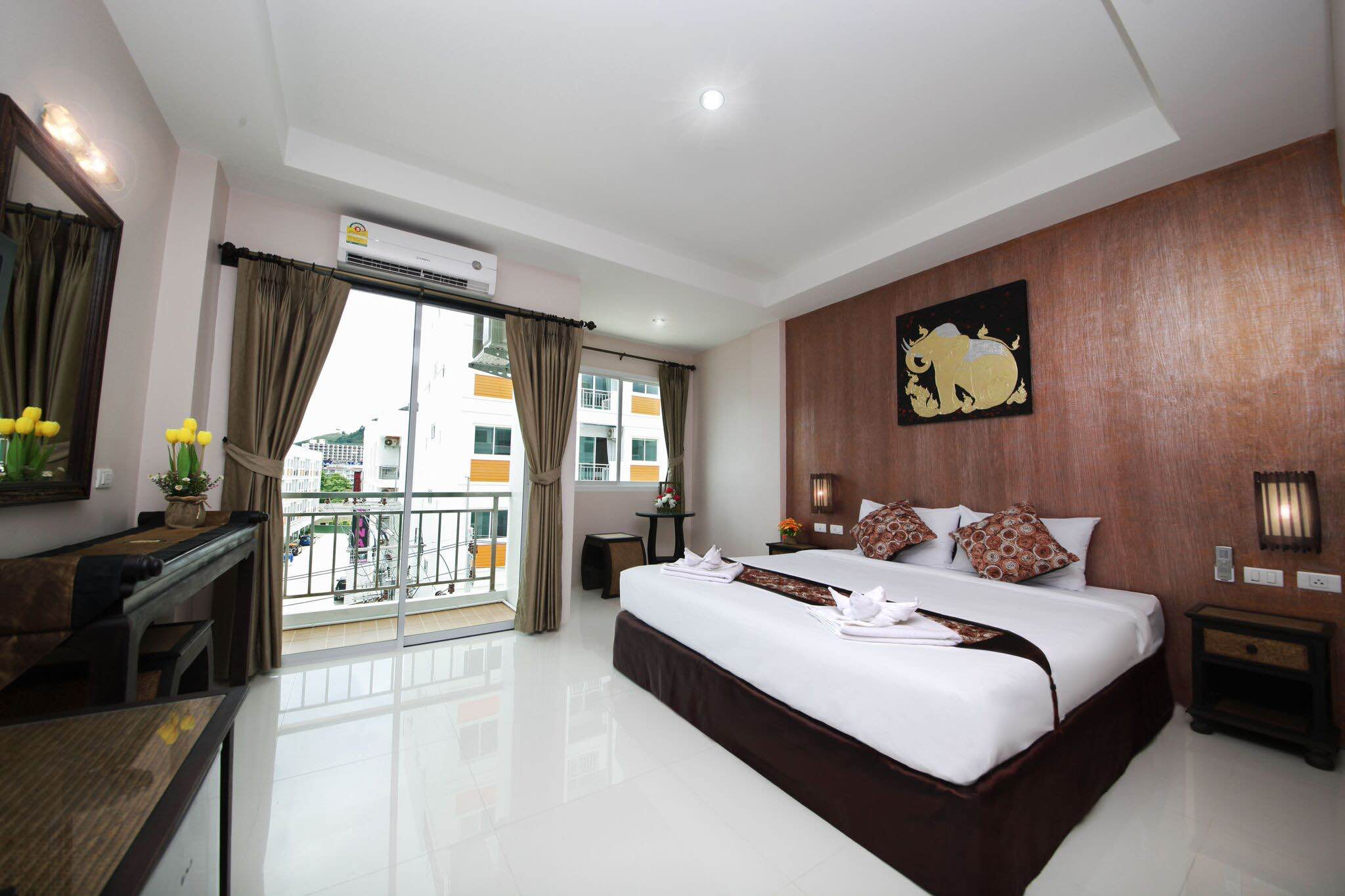 RE/MAX Top Properties Agency's Phuket,Patong Beach, Guesthouse with 61 Rooms AWARD Winning   4