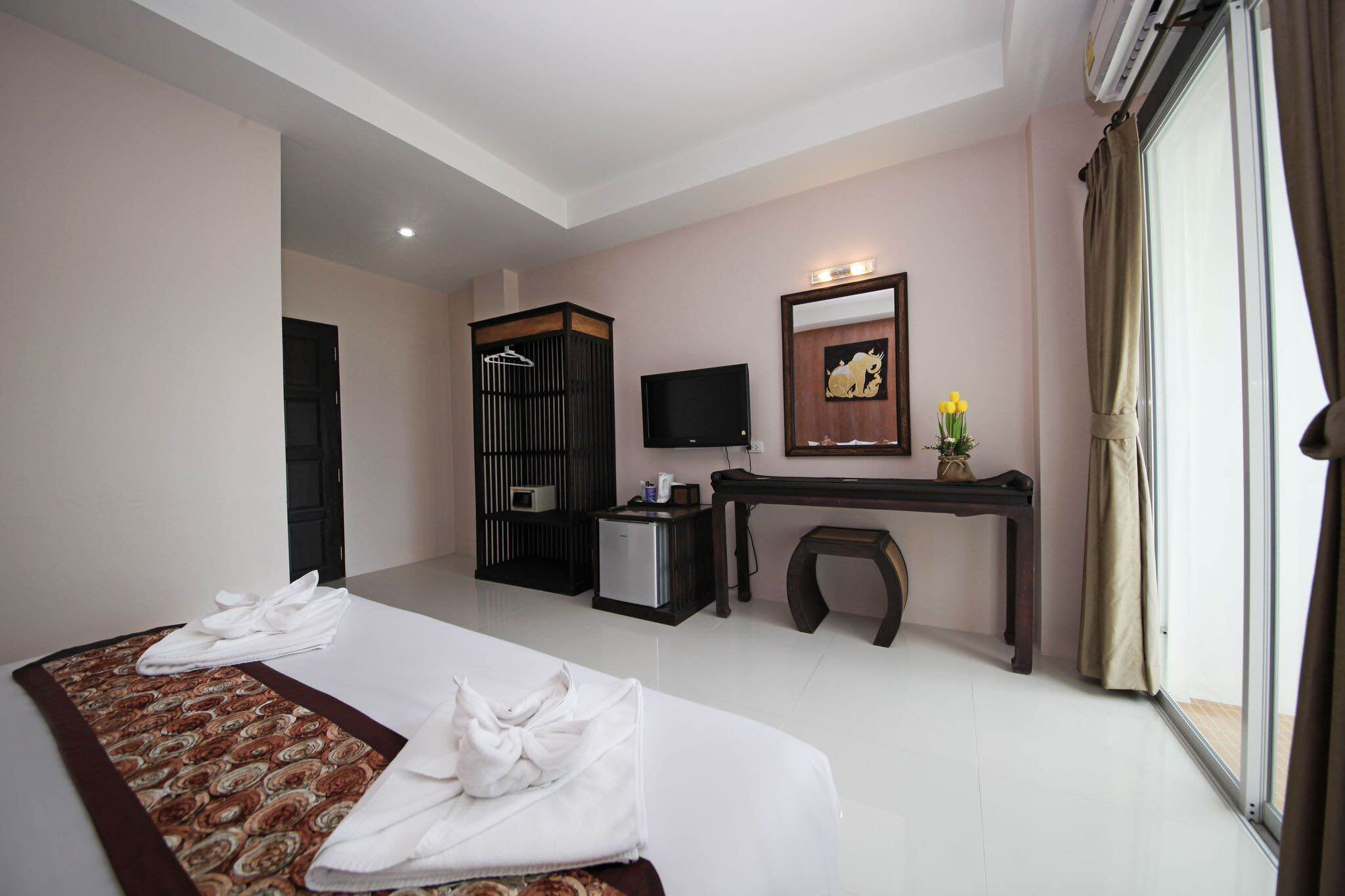 RE/MAX Top Properties Agency's Phuket,Patong Beach, Guesthouse with 61 Rooms AWARD Winning   7