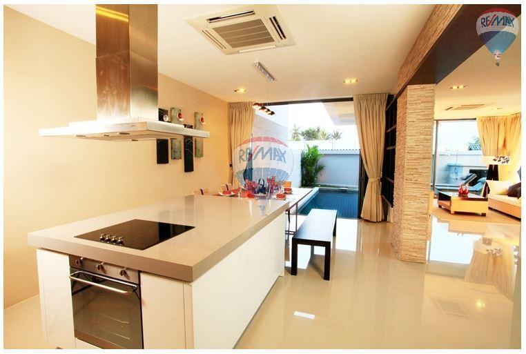 RE/MAX Top Properties Agency's  Luxury Seaview Pool Villas 3 bedrooms, 4 bathrooms in Rawai 10
