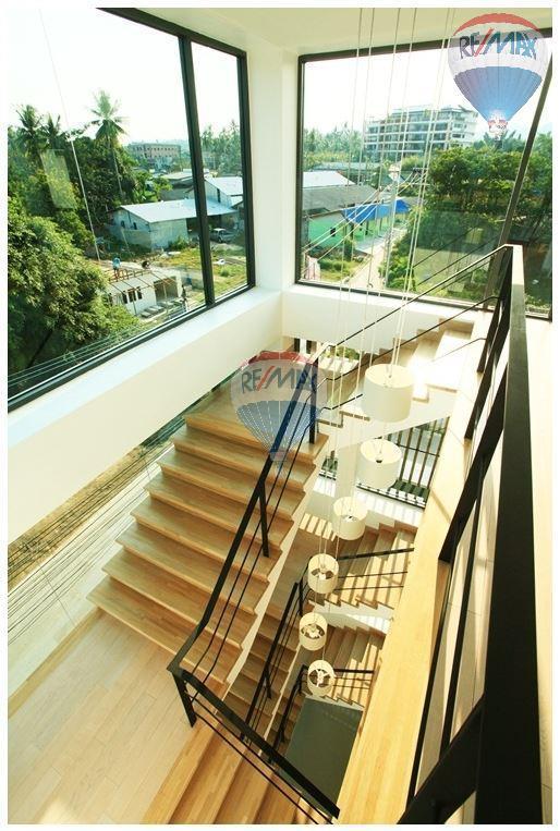 RE/MAX Top Properties Agency's  Luxury Seaview Pool Villas 3 bedrooms, 4 bathrooms in Rawai 17