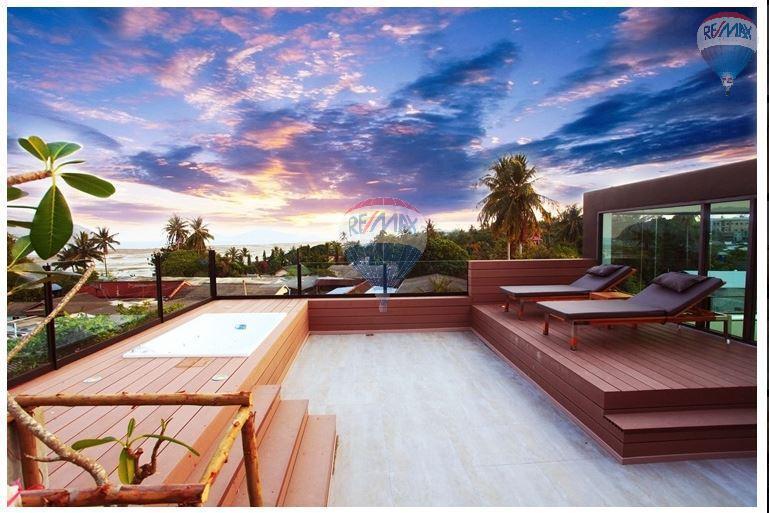 RE/MAX Top Properties Agency's  Luxury Seaview Pool Villas 3 bedrooms, 4 bathrooms in Rawai 45