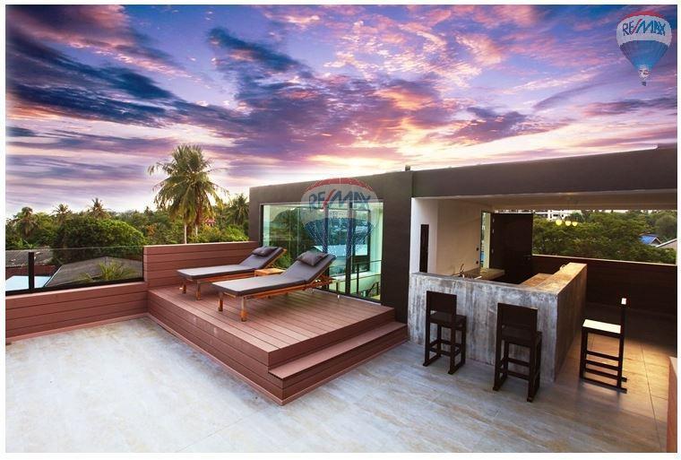 RE/MAX Top Properties Agency's  Luxury Seaview Pool Villas 3 bedrooms, 4 bathrooms in Rawai 46