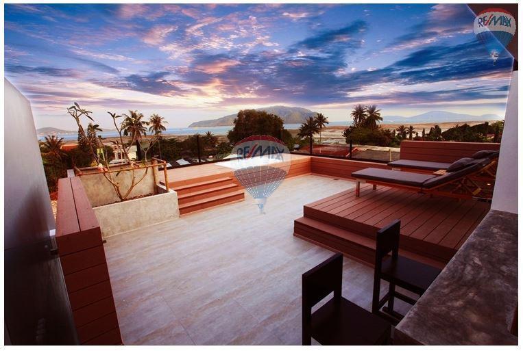 RE/MAX Top Properties Agency's  Luxury Seaview Pool Villas 3 bedrooms, 4 bathrooms in Rawai 47