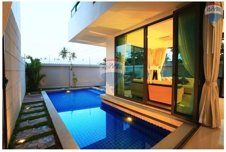 RE/MAX Top Properties Agency's  Luxury Seaview Pool Villas 3 bedrooms, 4 bathrooms in Rawai 51
