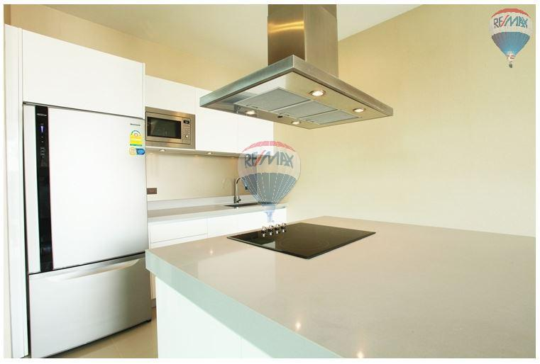 RE/MAX Top Properties Agency's  Luxury Seaview Pool Villas 3 bedrooms, 4 bathrooms in Rawai 6