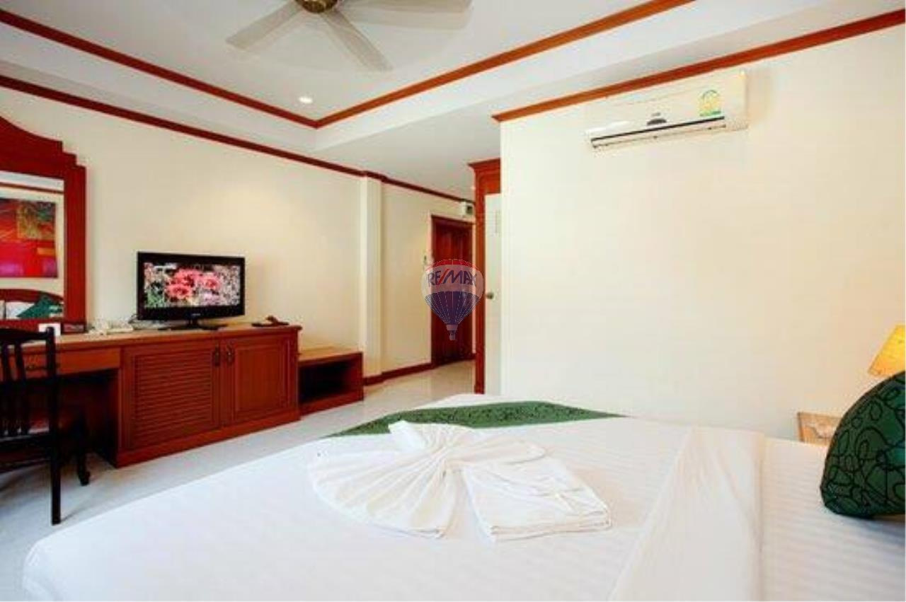RE/MAX Top Properties Agency's 18 Rooms Guest House 3