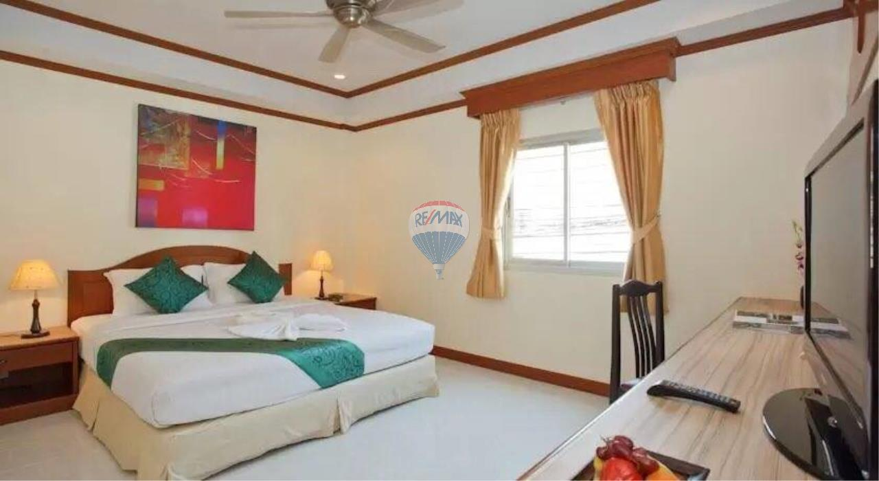 RE/MAX Top Properties Agency's 18 Rooms Guest House 4