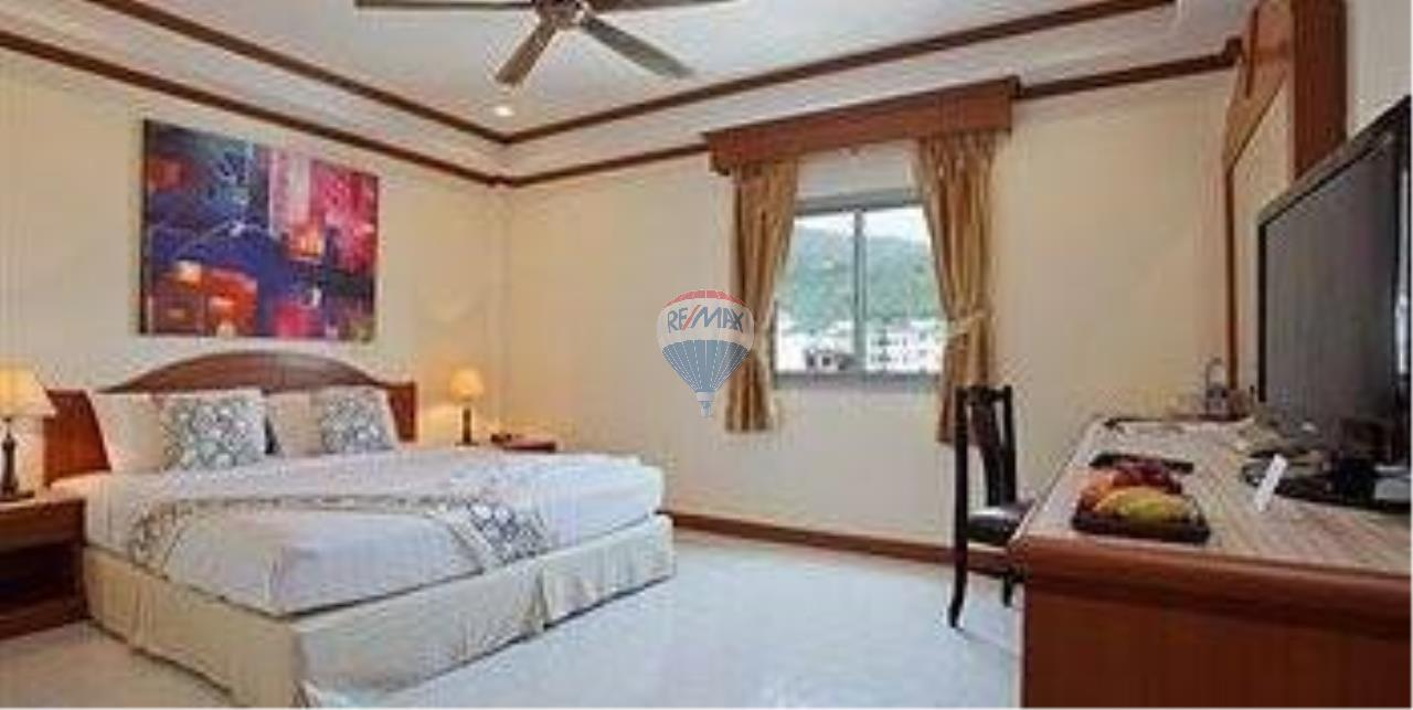 RE/MAX Top Properties Agency's 18 Rooms Guest House 6