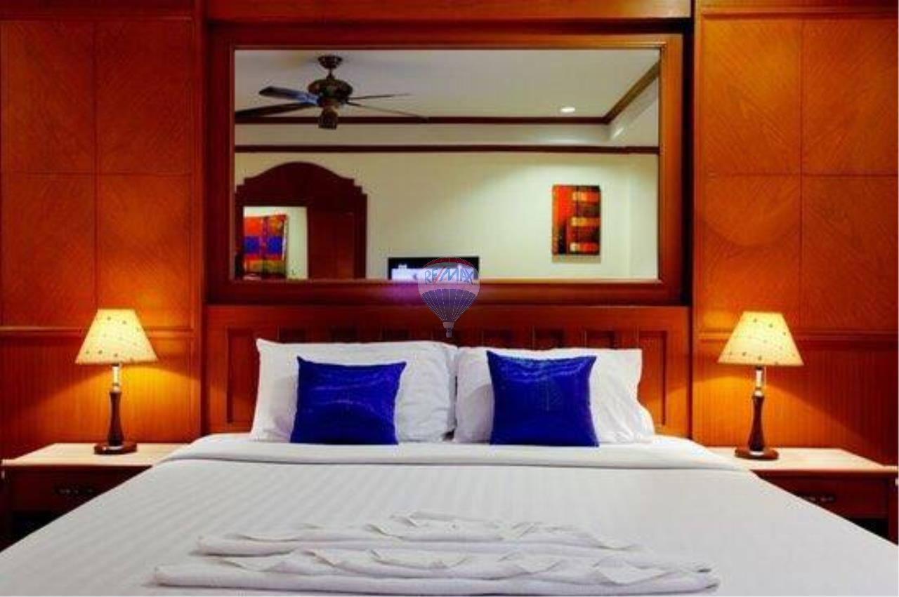 RE/MAX Top Properties Agency's 18 Rooms Guest House 7