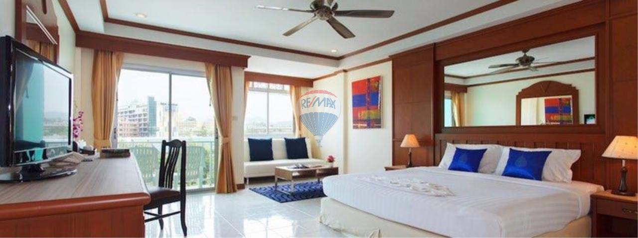 RE/MAX Top Properties Agency's 18 Rooms Guest House 13