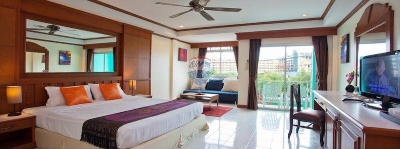 RE/MAX Top Properties Agency's 18 Rooms Guest House 15