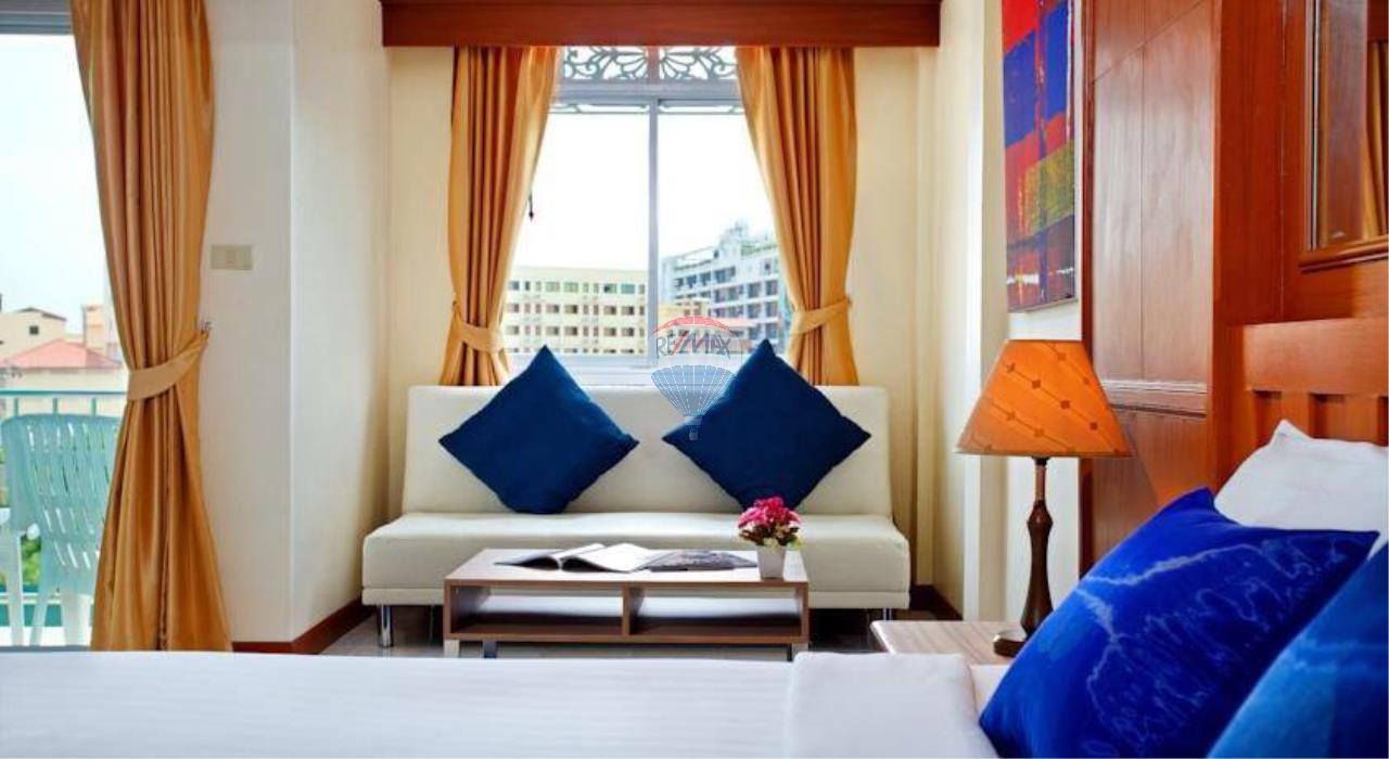 RE/MAX Top Properties Agency's 18 Rooms Guest House 16