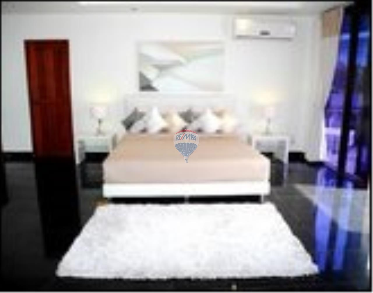 RE/MAX Top Properties Agency's Patong Beach 5Br.pool villas sea view and spa for rent 11