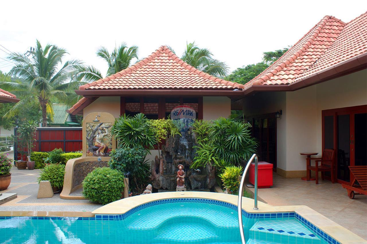 RE/MAX Top Properties Agency's Pool villa+3 Bungalows with 2000 sq. mt. Land 7
