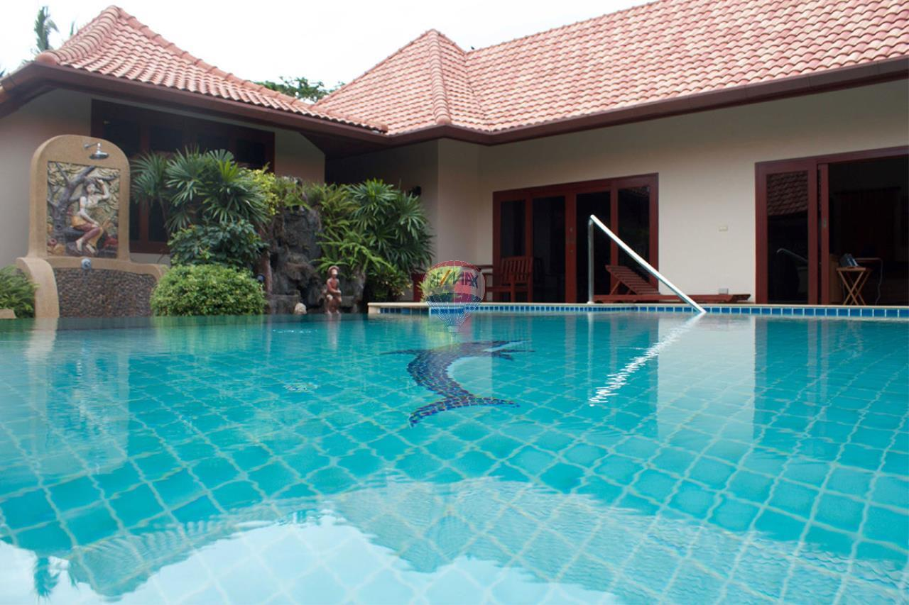 RE/MAX Top Properties Agency's Pool villa+3 Bungalows with 2000 sq. mt. Land 8