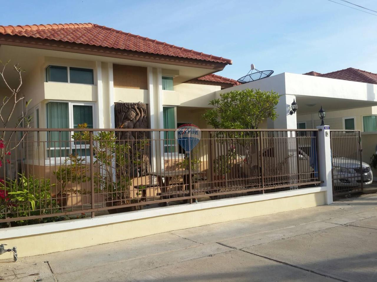 RE/MAX Top Properties Agency's Phuket Town 3Br.single house for sale 1