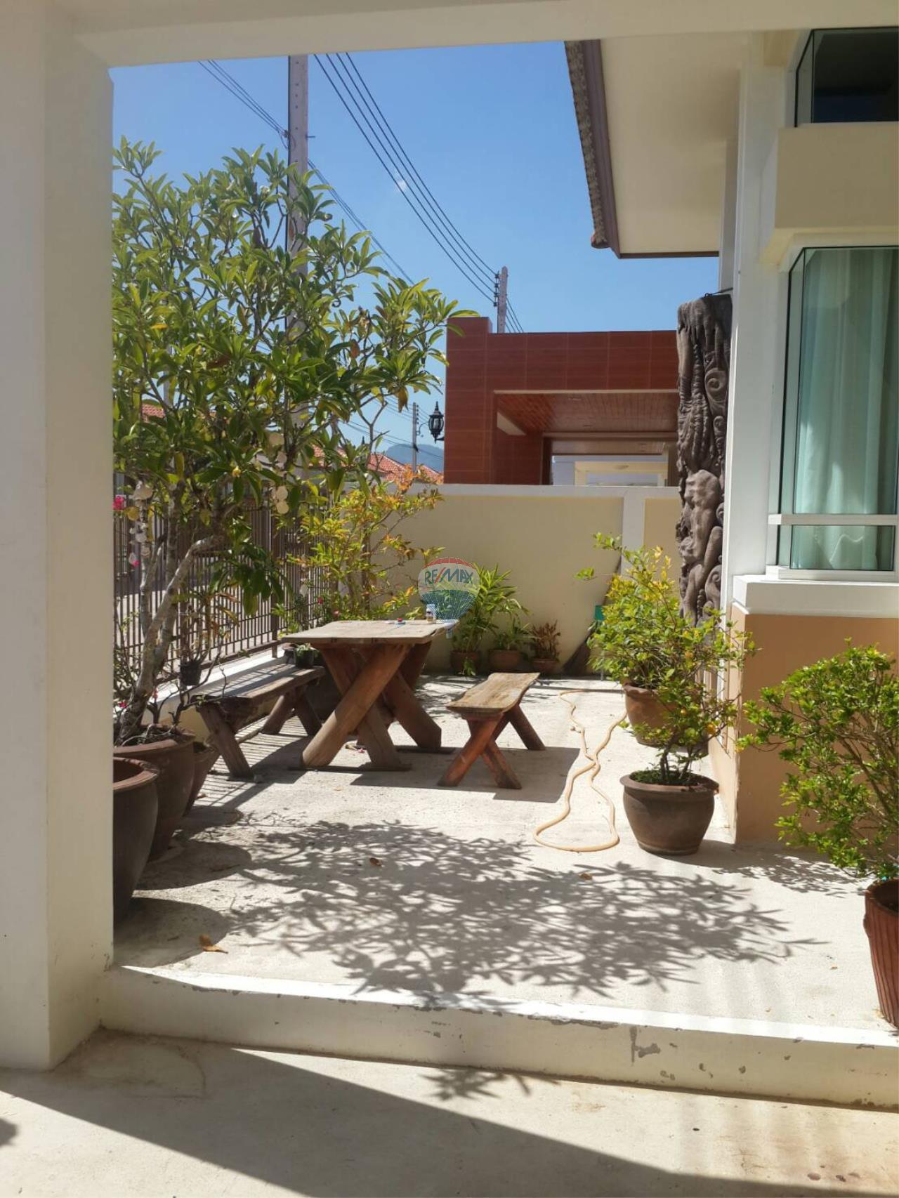 RE/MAX Top Properties Agency's Phuket Town 3Br.single house for sale 6