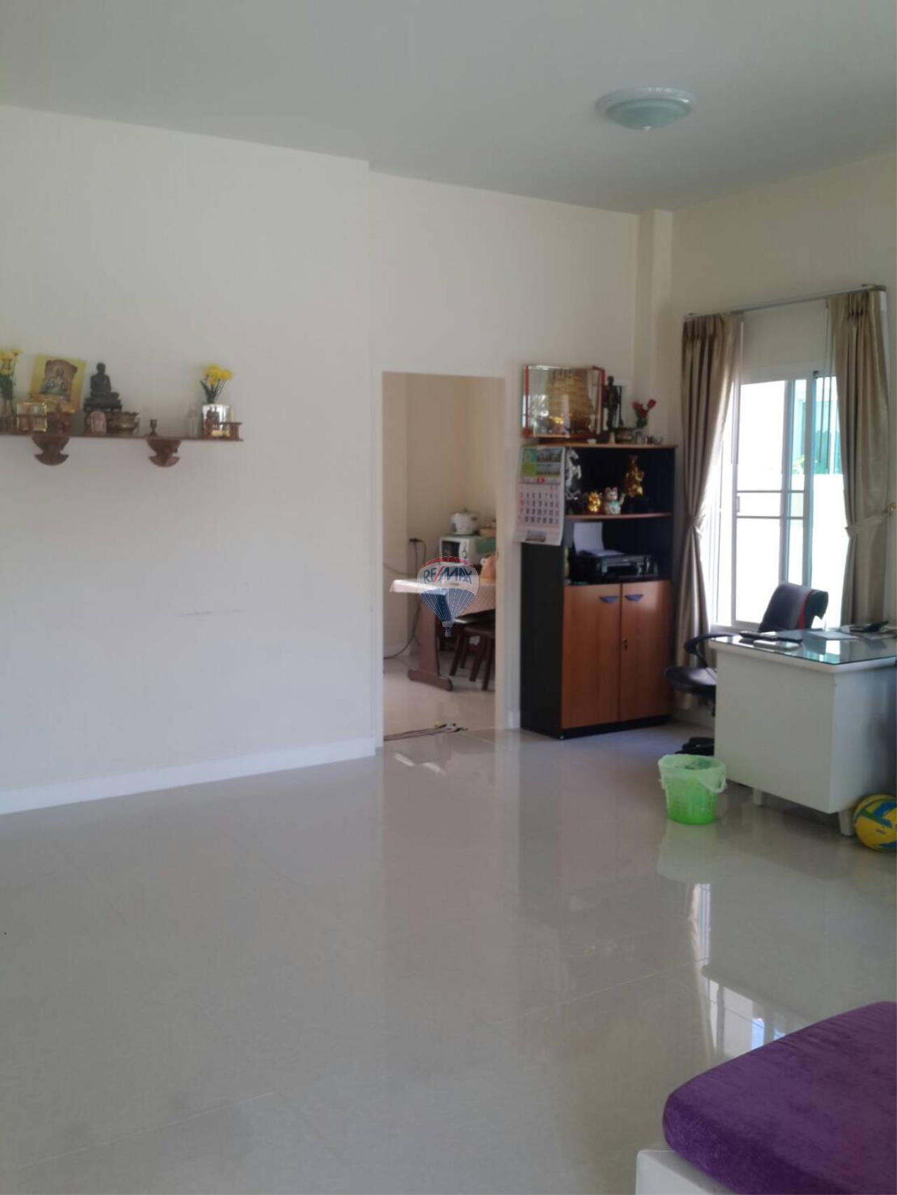 RE/MAX Top Properties Agency's Phuket Town 3Br.single house for sale 7
