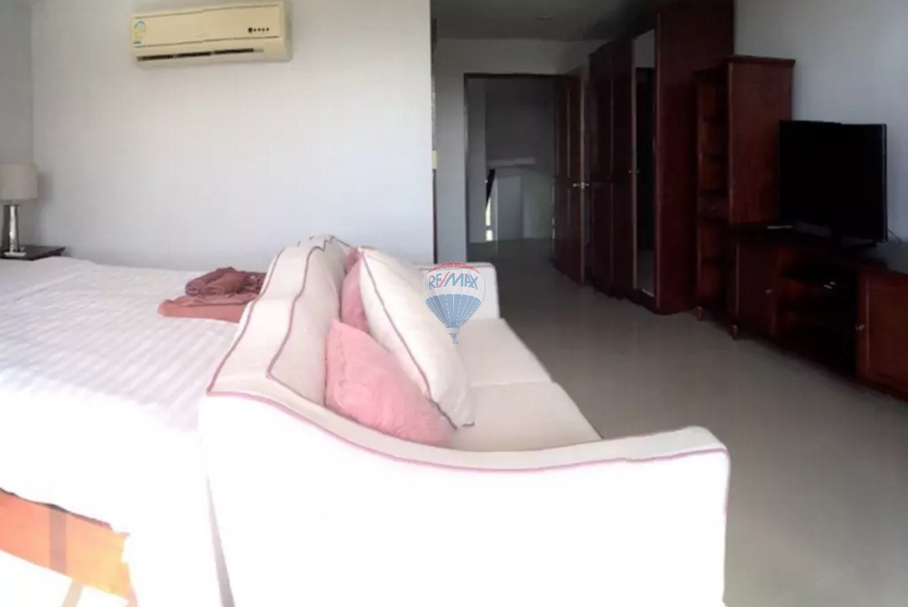 RE/MAX Top Properties Agency's PATONG - Beautiful Sea view 4 bedrooms Villa - GREAT DEAL! 16