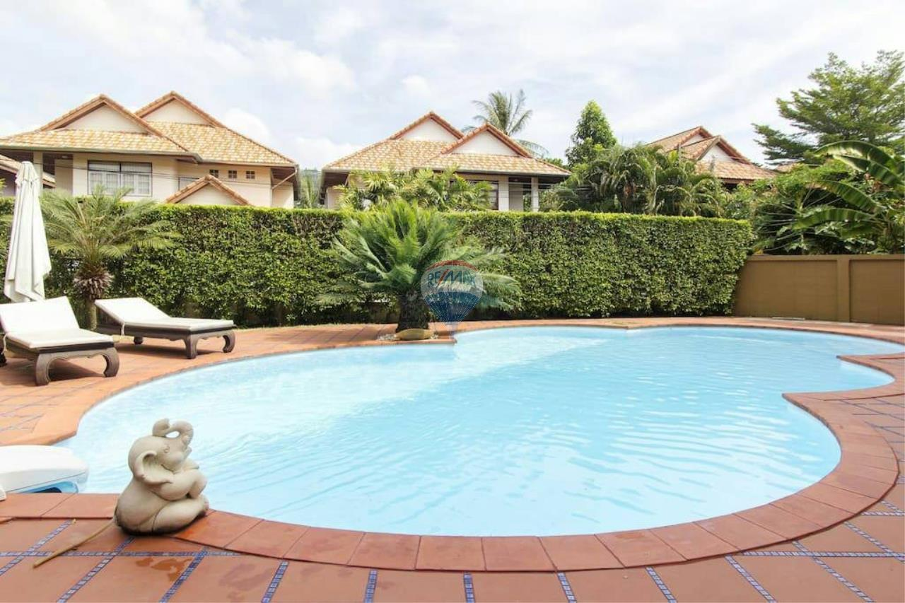 RE/MAX Top Properties Agency's Kathu, Phuket - PRIVATE POOL VILLA 4 BEDROOMS 3