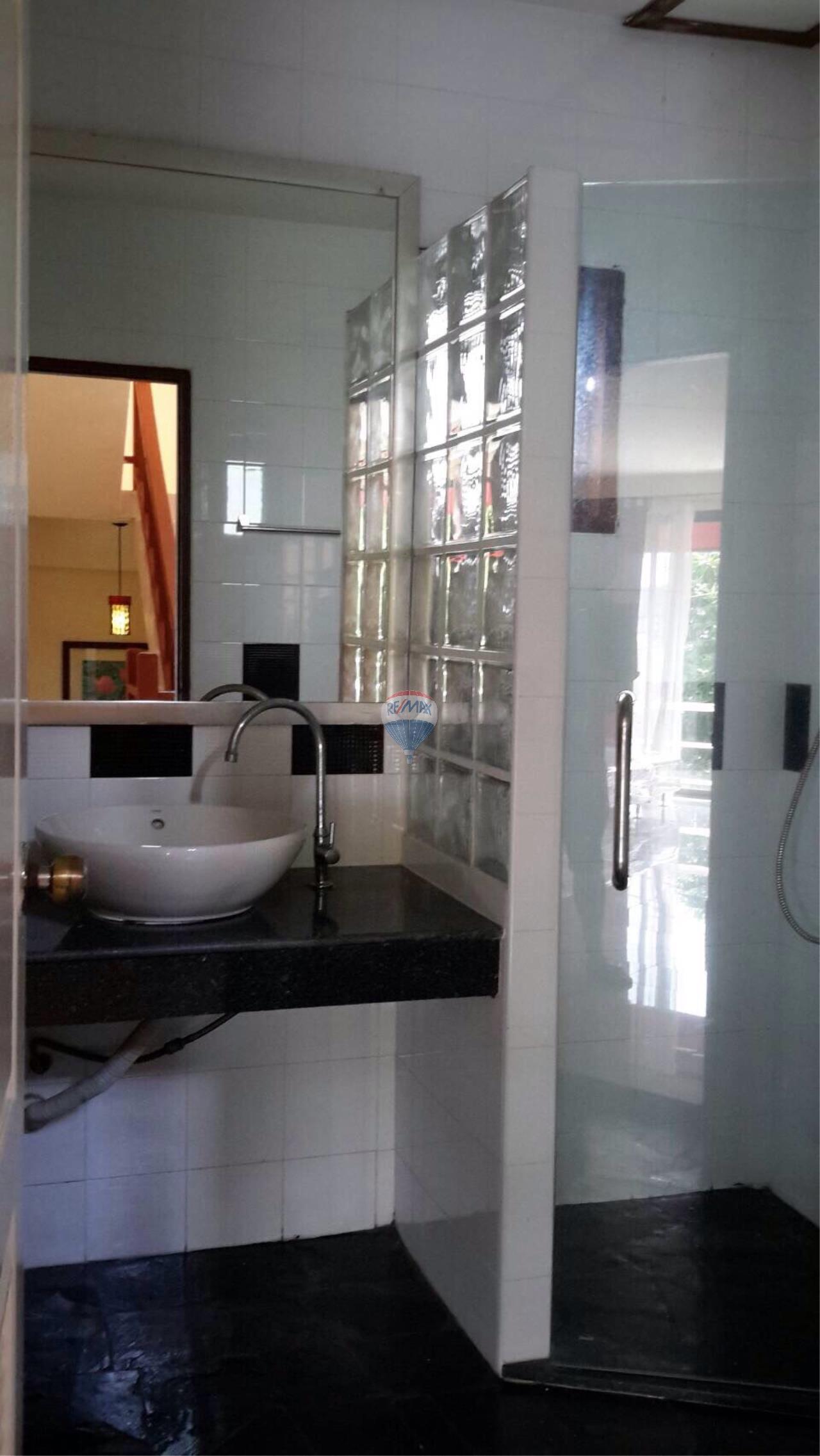 RE/MAX Top Properties Agency's Ban Ku Ku,Ratchapat Phuket University3Br.villa for rent 11