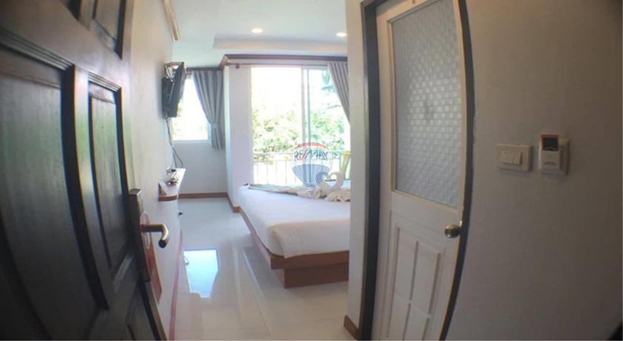 RE/MAX Top Properties Agency's Patong beach guesthouse 12 room for lease  1