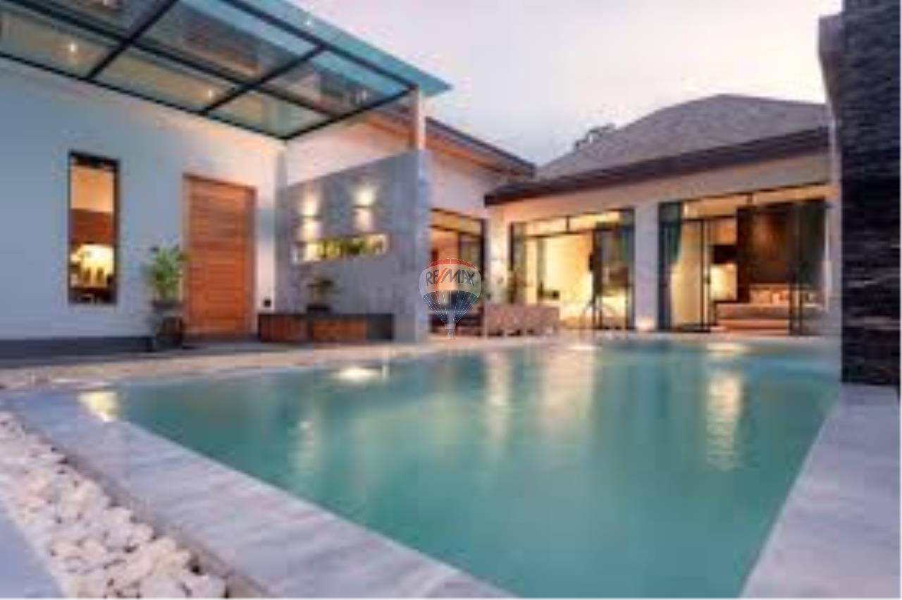 RE/MAX Top Properties Agency's Tropical pool villa 1