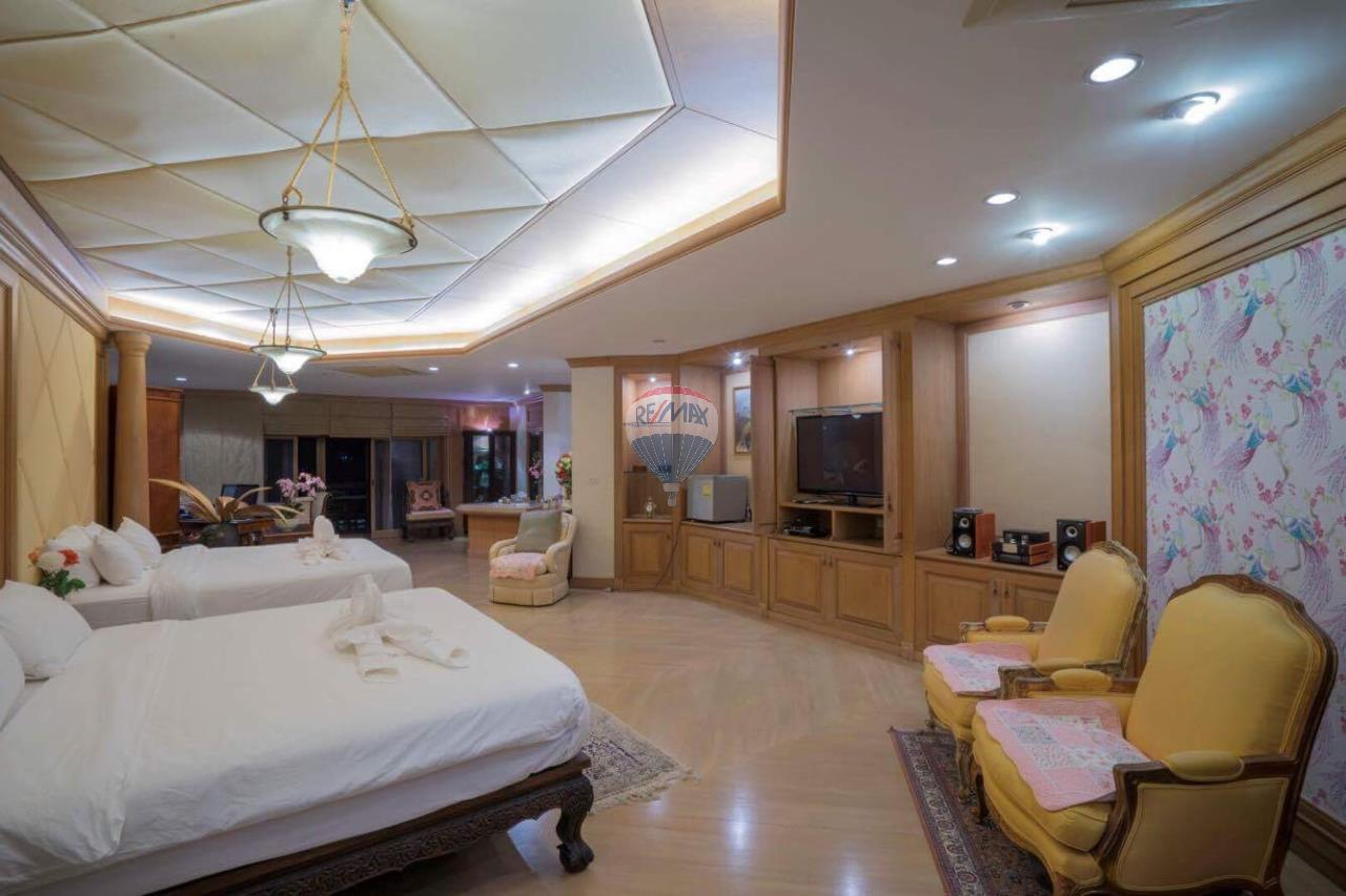 RE/MAX Top Properties Agency's Phuket Panwa beach luxury villas 5 Br.for rent 13