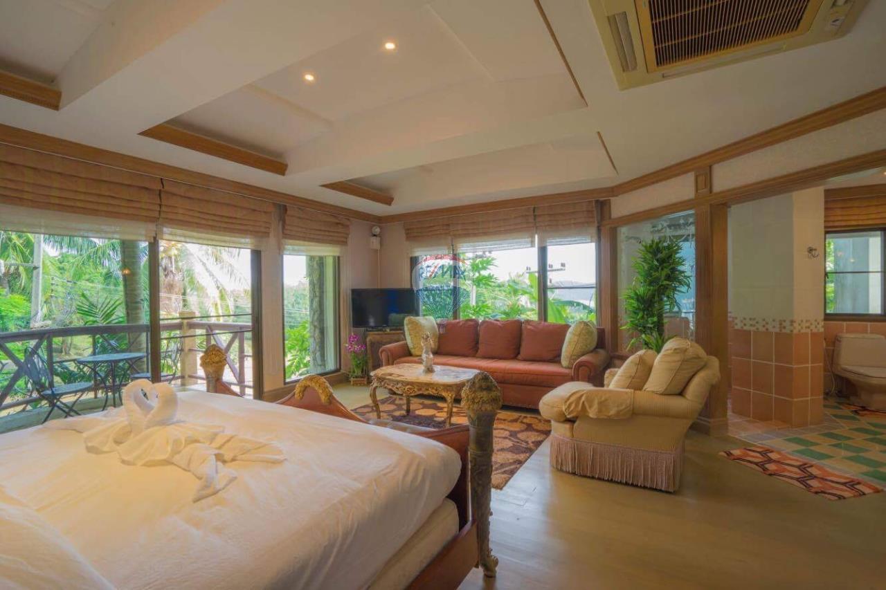 RE/MAX Top Properties Agency's Phuket Panwa beach luxury villas 5 Br.for rent 10