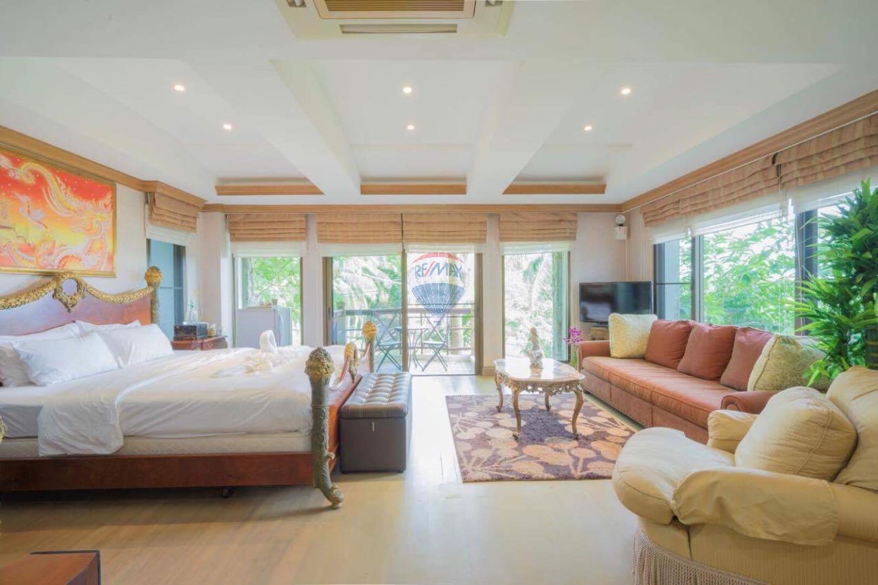 RE/MAX Top Properties Agency's Phuket Panwa beach luxury villas 5 Br.for rent 11