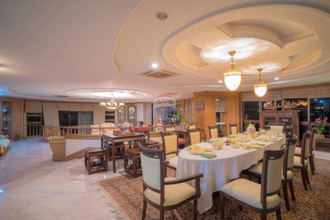 RE/MAX Top Properties Agency's Phuket Panwa beach luxury villas 5 Br.for rent 14